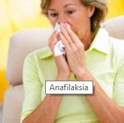 Анафилаксията представлява тежка алергична реакция, която може да доведе до смърт. При анафилаксия се появява обрив по кожата, понижава се кръвното налягане, кръвоносните съдове се разширяват и се образува оток на ларингса.