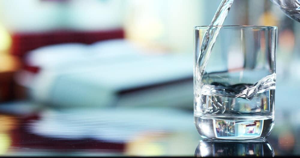 Колко вода трябва да пием