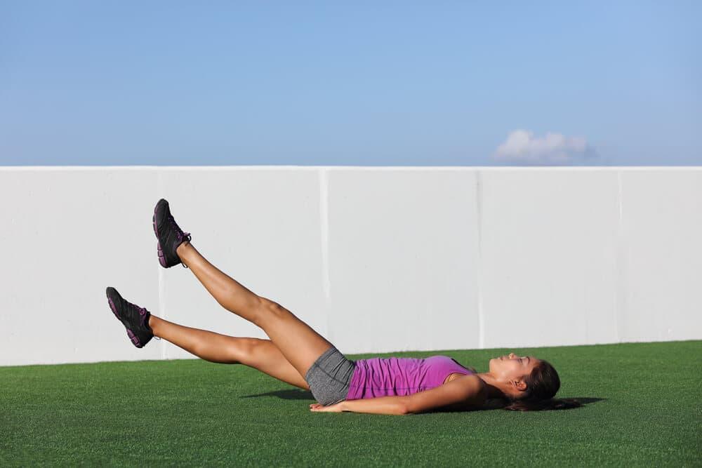 Упражнения при слаби бедра
