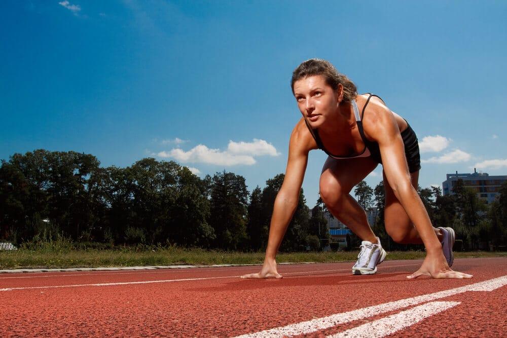 Упражнения срещу нежеланото сгъване на краката в колената