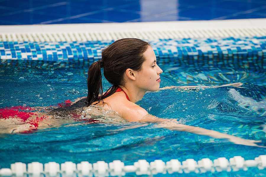 Хайде в басейна или защо е полезно плуването