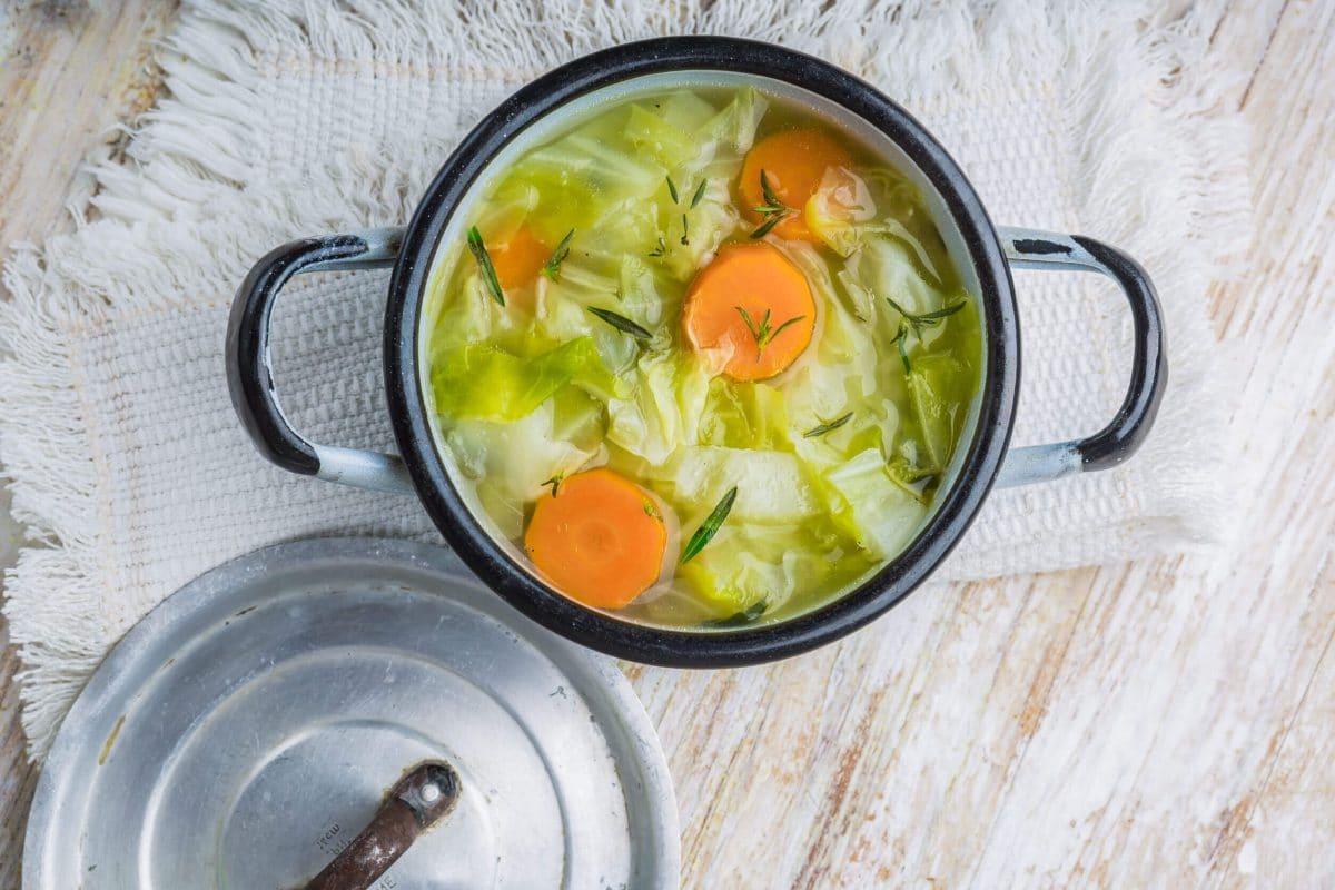 Зелевата супа в борба срещу килограмите